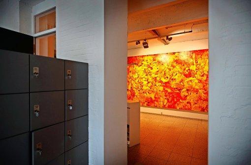 Farbexplosion am Eingang der Galerie