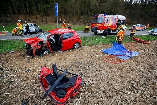 Zwischen Mundelsheim und Großbottwar hat sich ein schwerer Unfall ereignet. Foto: www.7aktuell.de | Karsten Schmalz