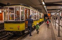 Alles einsteigen! Auf der historischen Sonderlinie 21 war am Sonntag ein Triebwagen aus dem Jahr 1925 in Stuttgart unterwegs. Foto: www.7aktuell.de/Gerlach