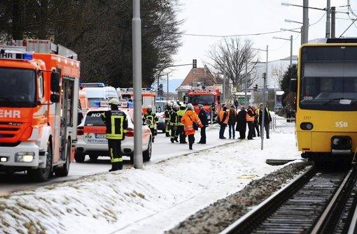 Tod auf den Gleisen: Vor dem Halt Riedsee wurden im Februar 2012 zwei Arbeiter überrollt. Foto: dapd
