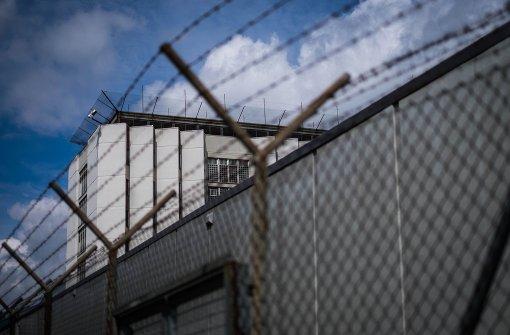 Gedränge hinter Gittern