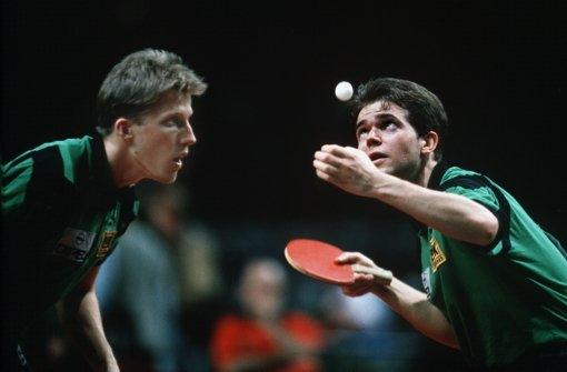 Steffen Fetzner (re.) mit Doppel-Partner Jörg Roßkopf 1992 bei der EM in Stuttgart. Foto: Baumann