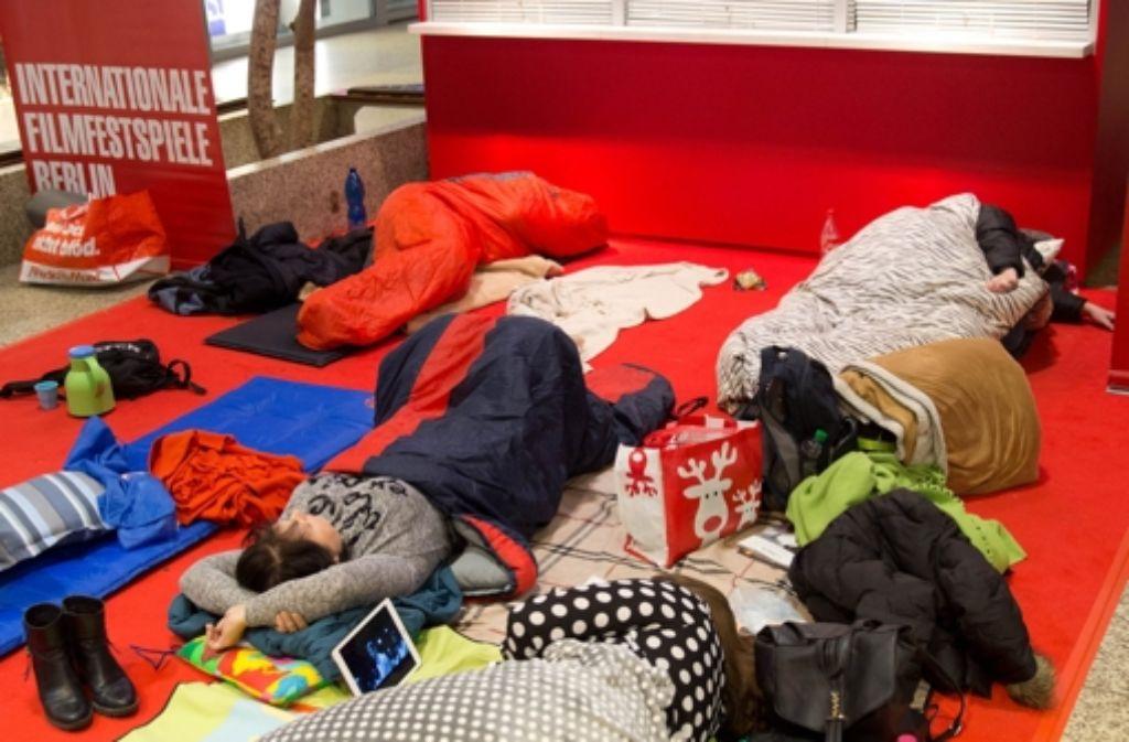 Berlinale Tickets Filmfans Warten Mit Schlafsack Und Ingwertee