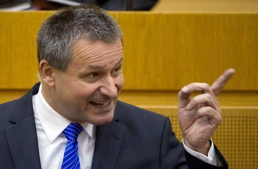 Vor der Abstimmung über die Entlassung der Kultusministerin Gabriele Warminski-Leitheußer war es zu Schreiduellen im Landtag gekommen. Foto: dpa