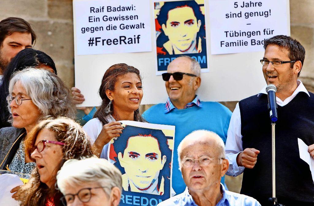 131 mahnwache f r inhaftierten blogger raif badawi ein protest der rekorde bricht baden. Black Bedroom Furniture Sets. Home Design Ideas