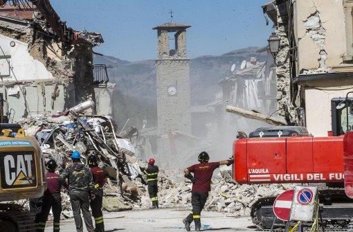 Streit um Trauerfeier für Erdbebenopfer