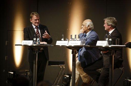 Bauunternehmer Martin Herrenknecht, Regionalpräsident Thomas Bopp (re.) und Bahn-Vorstand  Volker Kefer (li)  beim Forum Stuttgart 21 der Stuttgarter Nachrichten Foto: Leif Piechowski