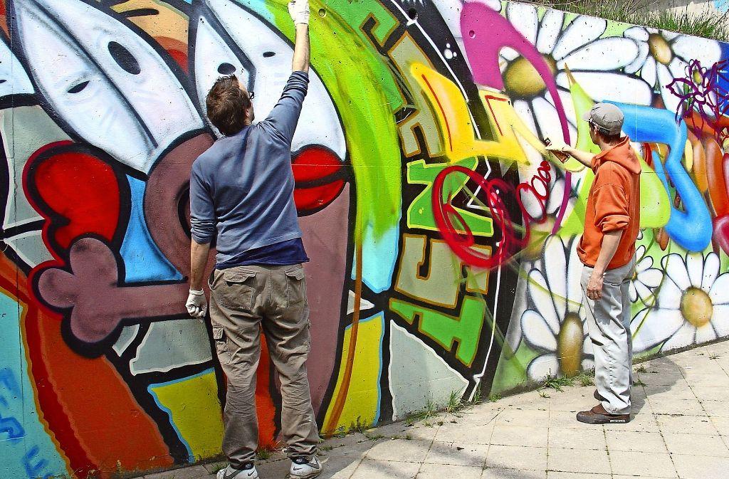 Graffiti in stuttgart vaihingen vaihingen bekennt farbe vaihingen stuttgarter nachrichten - Graffiti zimmerwand ...