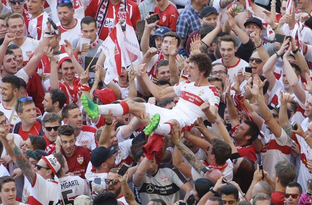 the latest a7117 7956b 125 Jahre VfB Stuttgart: Die Fans des VfB: Von A-Block bis ...