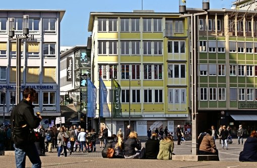 Noch sind die Schaufenster des Haufler-Hauses (hinten Mitte) verrammelt Foto: Lichtgut/Leif Piechowski