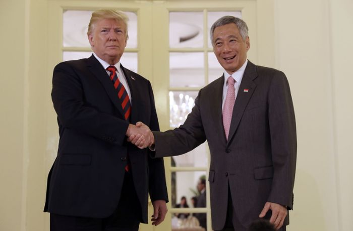 Gipfel in Singapur: Trump trifft Ministerpräsident Lee Hsien Loong