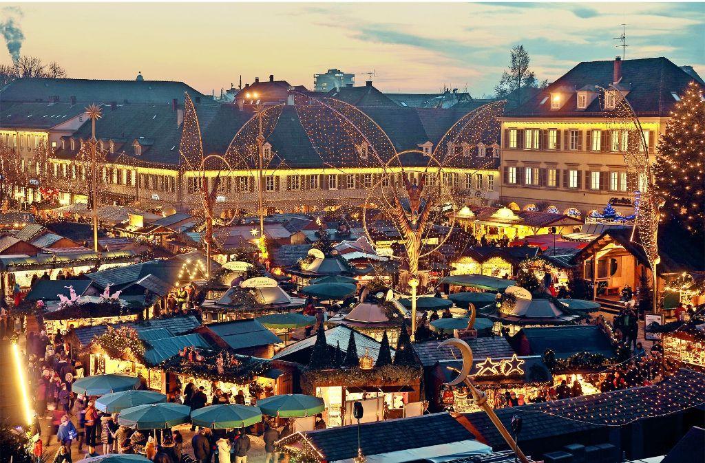 Ludwigsburg Weihnachtsmarkt.Weihnachtsmarkt In Ludwigsburg Budenstadt Hinter Barrikaden