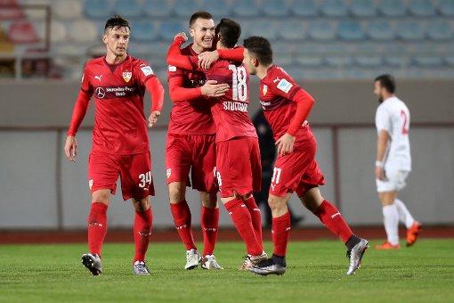 Der VfB Stuttgart besteht den Test in Belek gegen Antalyaspor. Foto: Pressefoto Baumann