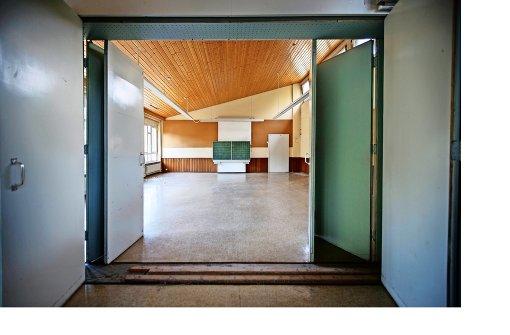 Ehemalige schule in berglen in das alte klassenzimmer - Fenster zieht es rein ...
