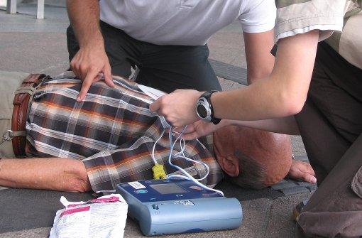 Neuer Defibrillator in Degerloch