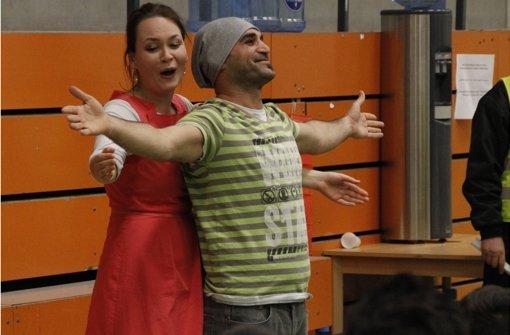 Opernprojekt mit Flüchtlingen sucht Obdach für die Probenzeit