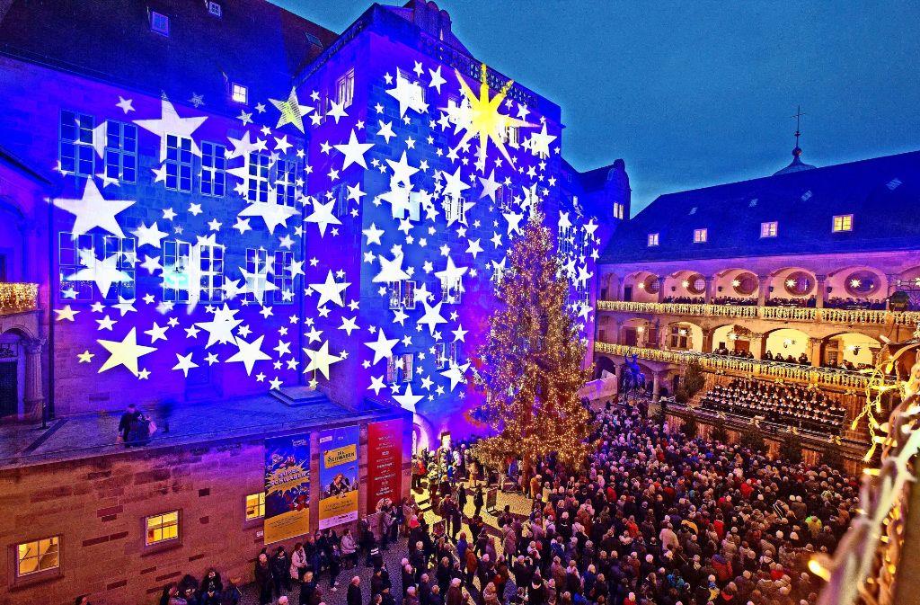 Stuttgart Weihnachtsmarkt.Weihnachtsmarkt Programm In Stuttgart Debatte Um Chore Im