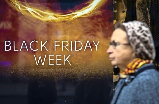 Some of the Hä& curls with a whole week full of deals for Black Friday. Photo: Getty