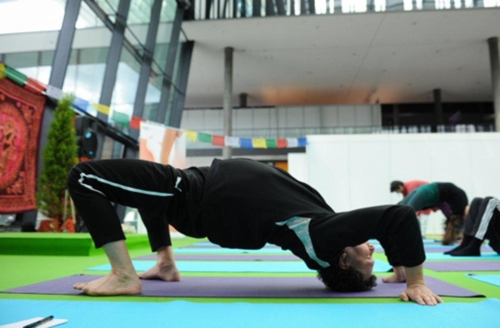 yoga expo weg zum gl ck f hrt auf die yoga matte stuttgart stuttgarter nachrichten. Black Bedroom Furniture Sets. Home Design Ideas