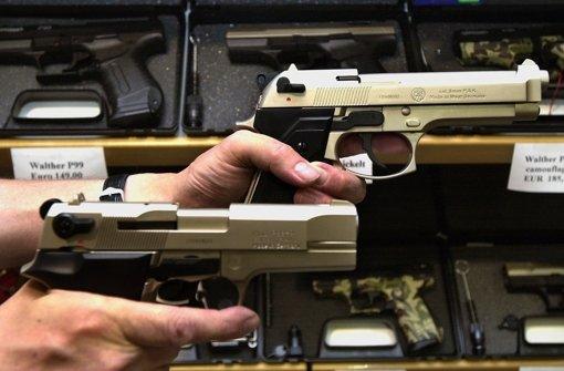 Mehr Bürger wollen sich bewaffnen