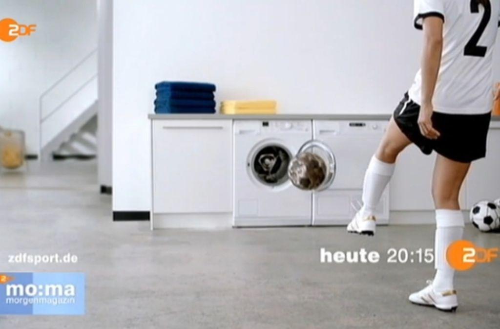 Werbespot Im Zdf Frauenfussball Spielt In Der Waschkuche
