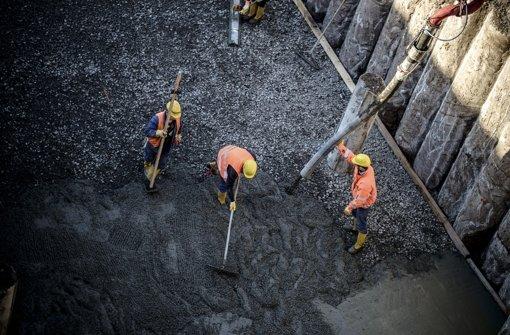 Die Betonierarbeiten für  den neuen Tiefbahnhof haben begonnen Foto: Lichtgut/Leif Piechowski