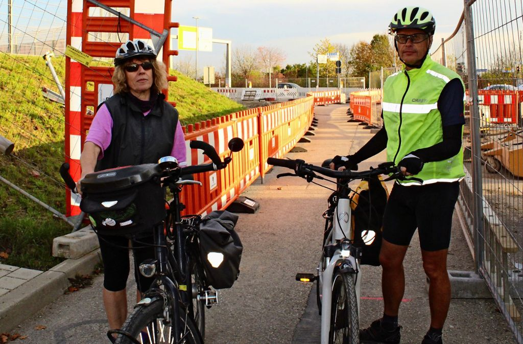 Harsche Kritik - Radfahrer kommen an der Messe nicht weiter - Stuttgarter Nachrichten