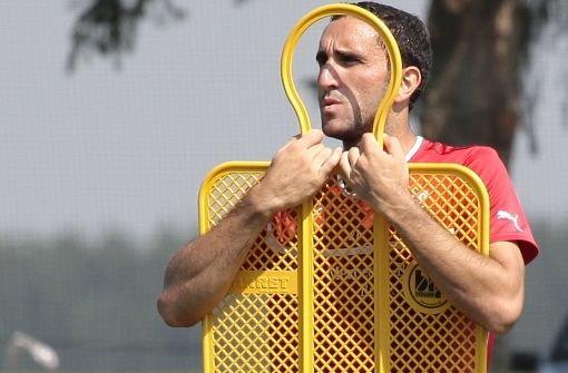 Cristian Molinaro: Note 3,5br War der Spieler mit den meisten Ballkontakten im Spiel (91). Foto: Pressefoto Baumann