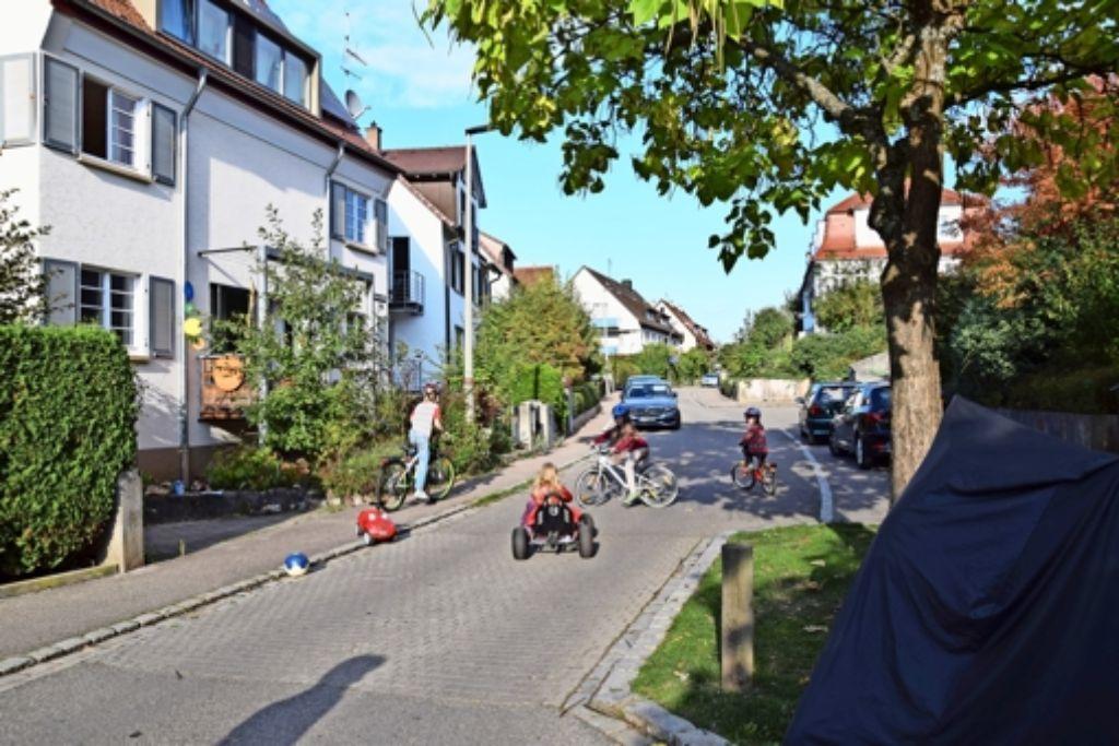 Schwarzwaldstraße In Stuttgart Kaltental Autofahrer Ignorieren Die