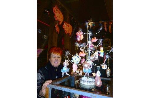 """Selbst der Weihnachtsbaum ist """"schweinisch"""" geschmückt. Foto: privat"""