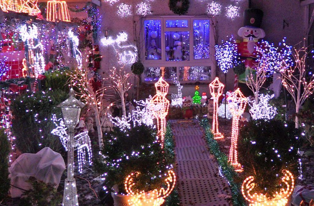 Weihnachtsdeko Für 1 Euro.Zwist über Weihnachtsdeko In Usa 70 000 Leuchten Am Haus Samt Musik