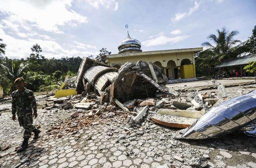 Mehr als 90 Menschen sterben bei Erdbeben