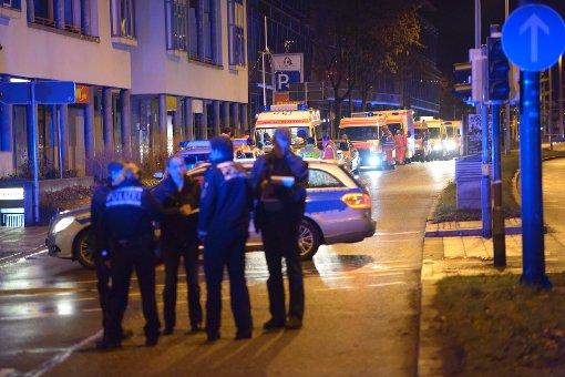 Kurz vor Weihnachten eskaliert in der Nacht zum Samstag in Esslingen ein Streit unter zwei Rockerbanden. Die Angreifer locken ihre Opfer in eine Falle. Ein 22-Jähriger stirbt, mindestens sechs weitere Männer werden verletzt. Foto: www.7aktuell.de/Eyb
