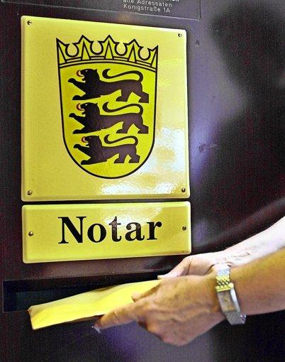 """Das Justizministerium räumt wegen der Reform der Grundbuchämter """"vorübergehende Beeinträchtigungen"""" in den Notariaten ein. Foto: dpa"""