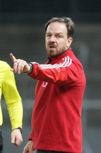 Nach seinem kurzen Gastspiel beim VfB wechselt der gebürtige Schwabe am 1. Juli 2010 als Trainer zur damals noch in der Regionalliga spielenden  SG Sonnenhof Großaspach, wo er bis zum Ende der Saison 2011/12 bleibt und den Aufstieg in die dritte Liga knapp verpasst. Foto: Pressefoto Baumann