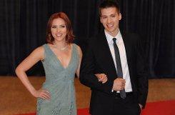 Showbiz-Zwillinge: bScarlett Johansson/b und ihr Zwillingsbruder bHunter/b sind beide Schauspieler. Scarlett ist die um ein paar Minuten ältere der beiden - und die deutlich erfolgreichere. Foto: dpa