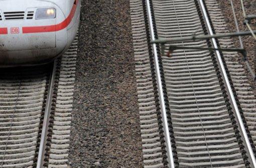 Wegen einer fehlerhaften Weiche ist am Heidelberger Hauptbahnhof am frühen Montagmorgen eine S-Bahn entgleist. Der Fernverkehr wurde umgeleitet. Foto: dpa/Symbolfoto