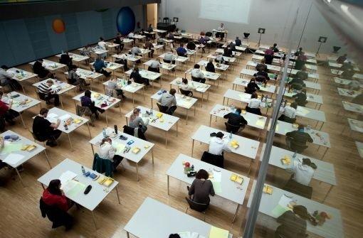 In neun statt acht Jahren zum Abitur: Das geht in Baden-Württemberg jetzt in 44 Gymnasien. Foto: dpa