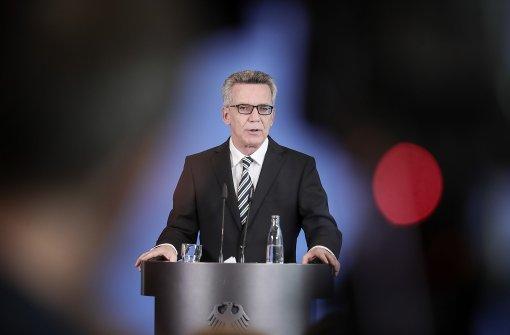 De Maizière nennt neue Zahl für das Jahr 2015