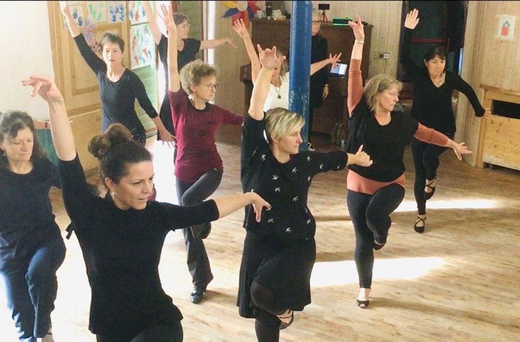 Tanzen in Nürtingen: Ladies Solo Dancers treten in