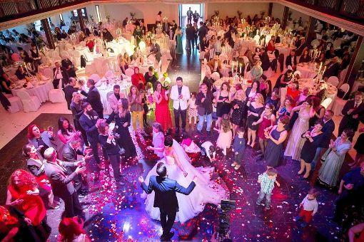 Hochzeit Auf Turkisch Gross Glamouros Und Anders Stuttgart
