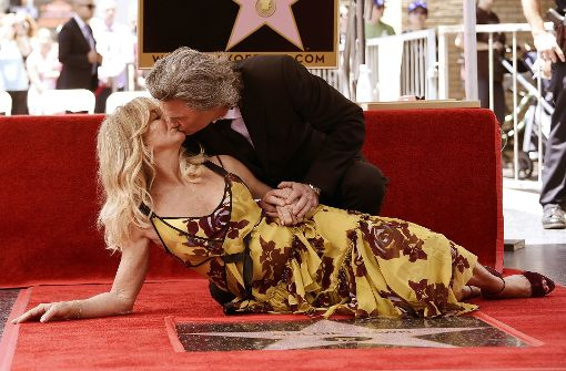 "Welch ein Bild: Goldie Hawn und Kurt Russell am ""Walk of Fame"" in Hollywood. Foto: Invision/AP"