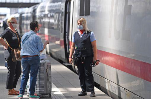 Bahn soll in mehr Zügen Masken kontrollieren