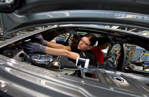 Mercedes überholt BMW sowohl bei Absatz als auch bei Rendite. Foto: dpa