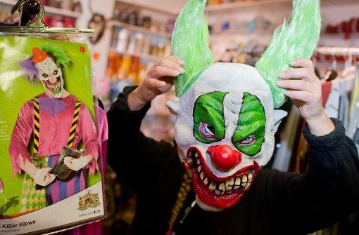 Zwei Kinder nach Attacke von Horror-Clowns unter Schock