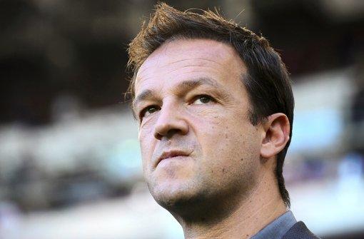 Der ehemalige Nationalspieler Fredi Bobic (41) ist seit Juni 2010 Manager beim VfB Stuttgart. Foto: dpa