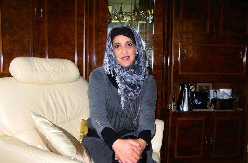 Achlam Kabaha ist Muslimin und trägt ihr Kopftuch aus Überzeugung. Foto: Jens Noll