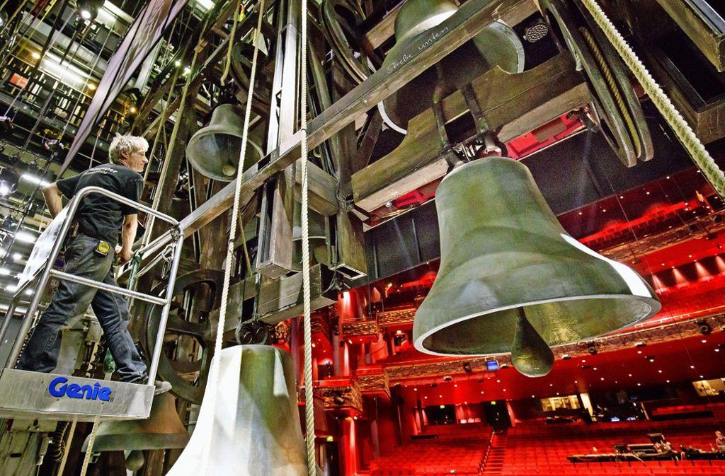 Glockner Von Notre Dame In Stuttgart Die Meterhohen Glocken Sind
