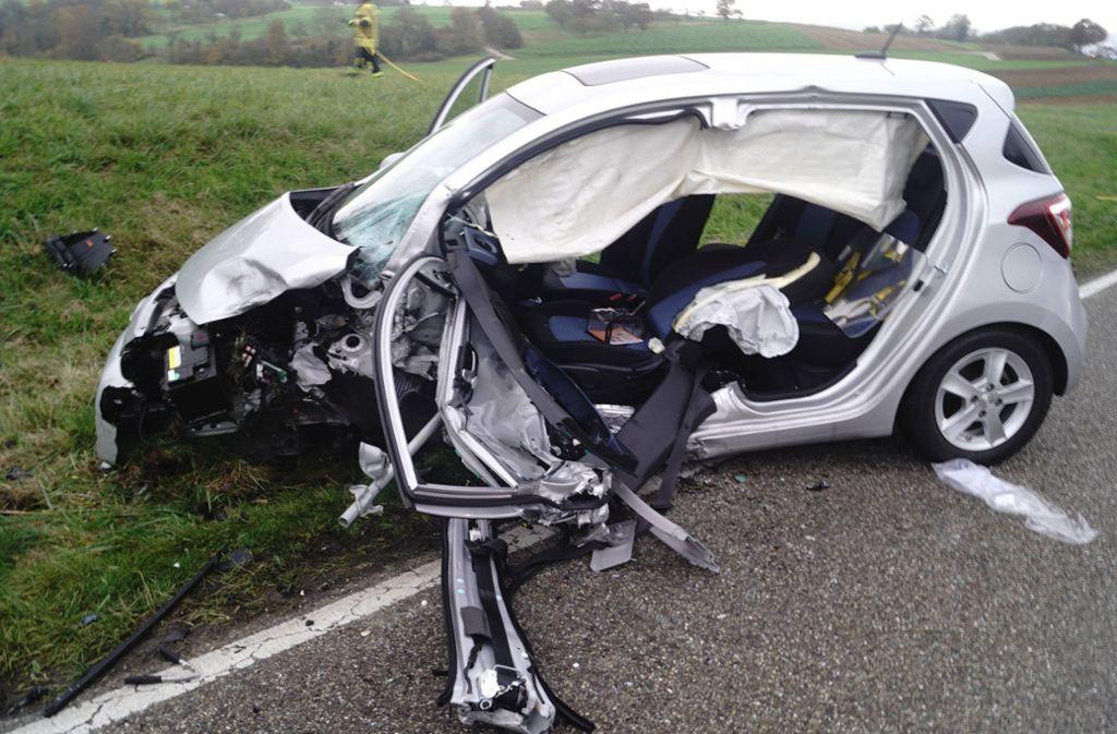 Unfall bei Bietigheim-Bissingen - 84-jährige Autofahrerin gerät in Gegenverkehr – zwei Schwerverletzte - Stuttgarter Nachrichten