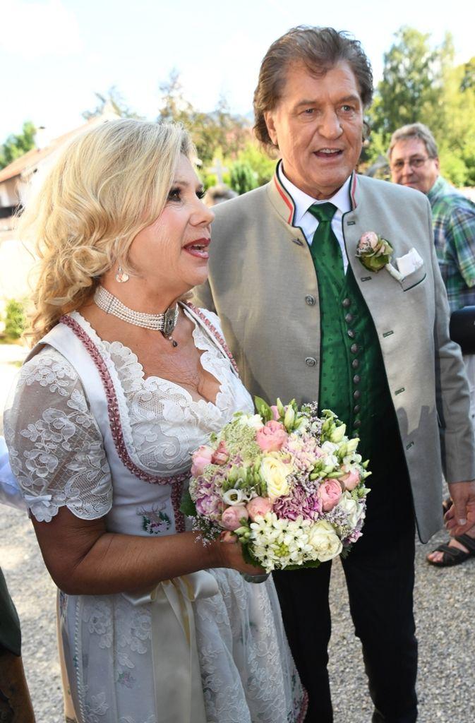 Das Volksmusik Duo Marianne Und Michael Hartl Gab Sich Das Ja Wort